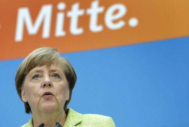 Saksan liittokansleri Angela Merkel puhui lehdistötilaisuudessa CDU:n päämajassa Berliinissä 8. toukokuuta 2017.