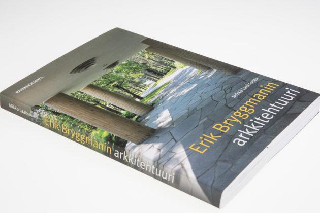 Mikko Laaksonen: Erik Bryggmanin arkkitehtuuri. 232 s. Rakennustieto, 2016.