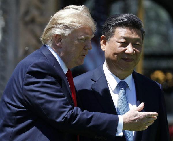 Yhdysvaltain presidentti Donald Trump ja Kiinan presidentti Xi Jinping tapasivat Mar-a-Lagossa Floridassa Yhdysvalloissa 7. huhtikuuta 2017.