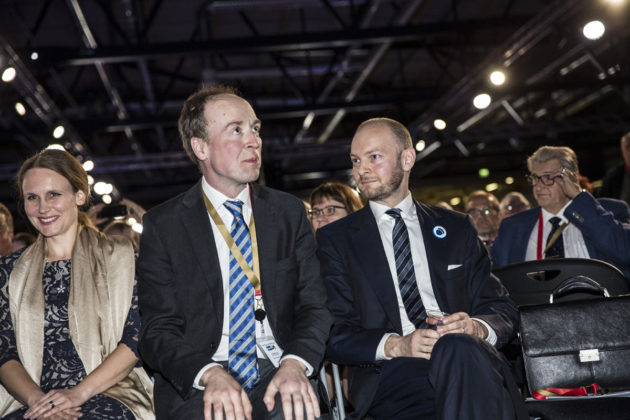 Hilla ja Jussi Halla-aho sekä Sampo Terho perussuomalaisten puoluekokouksessa 10. kesäkuuta 2017.