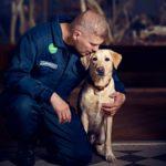 Toni Lahtisen Rokka-koira oppi jäljittämään norsunluuta reilun puolen vuoden harjoittelun jälkeen. Team Rokka kuvattiin Luonnontieteellisessä keskusmuseossa Helsingissä.