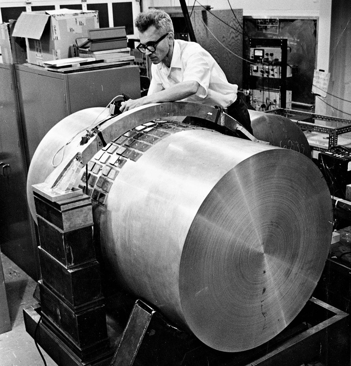 Joseph Weber väitti havainneensa gravitaatioaaltoja jo 1960-luvun lopulla.