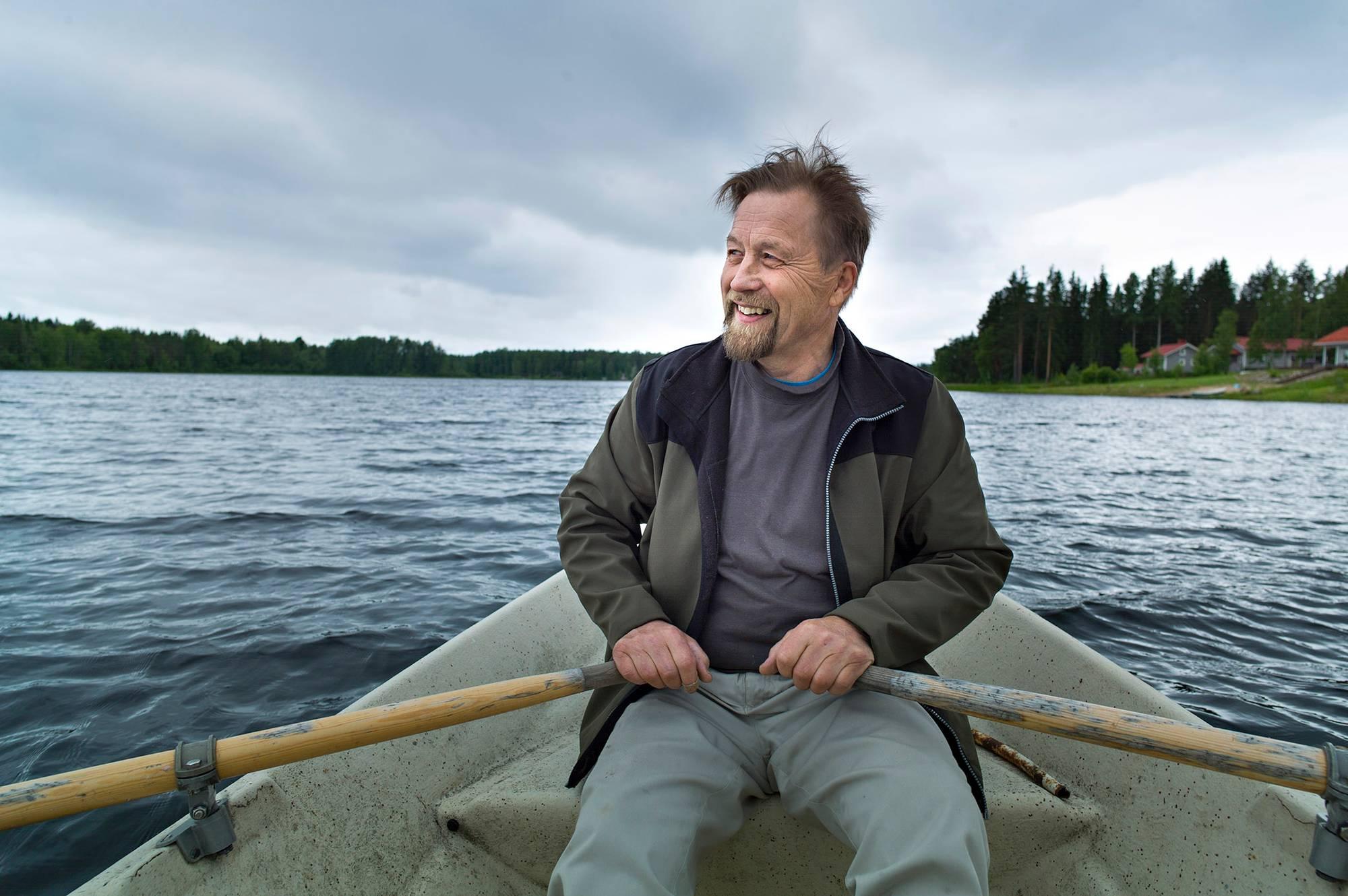 Entinen rikoskomisario Markku Leppänen Melasjärvellä.