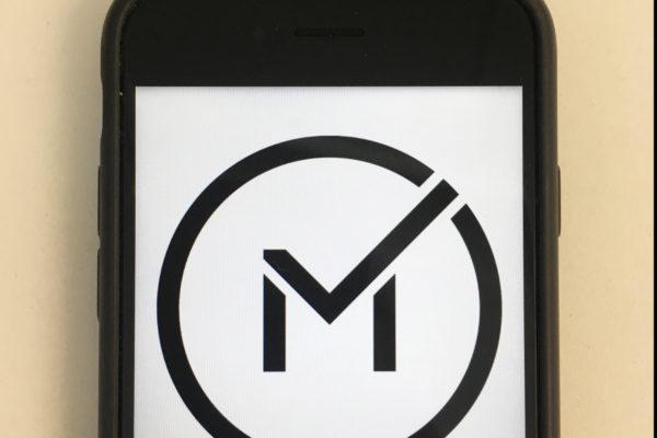Mobiilivarmenteella pääsee yli tuhanteen palveluun.