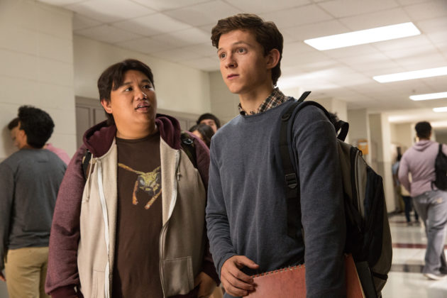 Jacob Batalon ja Tom Holland elokuvassa Spider-Man: Homecoming.