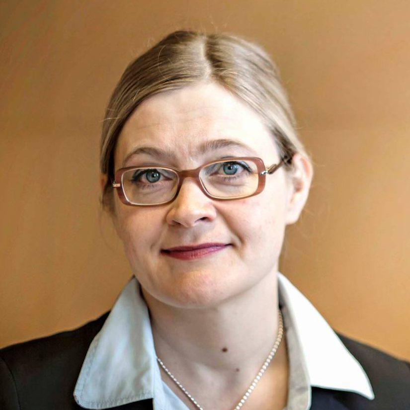 Anna Mäkelä johti Kittilää 17. marraskuuta 2014 asti, jolloin valtuusto irtisanoi hänet lainvastaisesti.