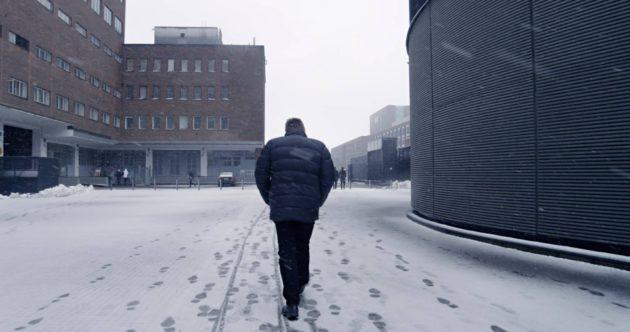 Pekka Lehdon elokuva liikkuu lain eri puolilla.