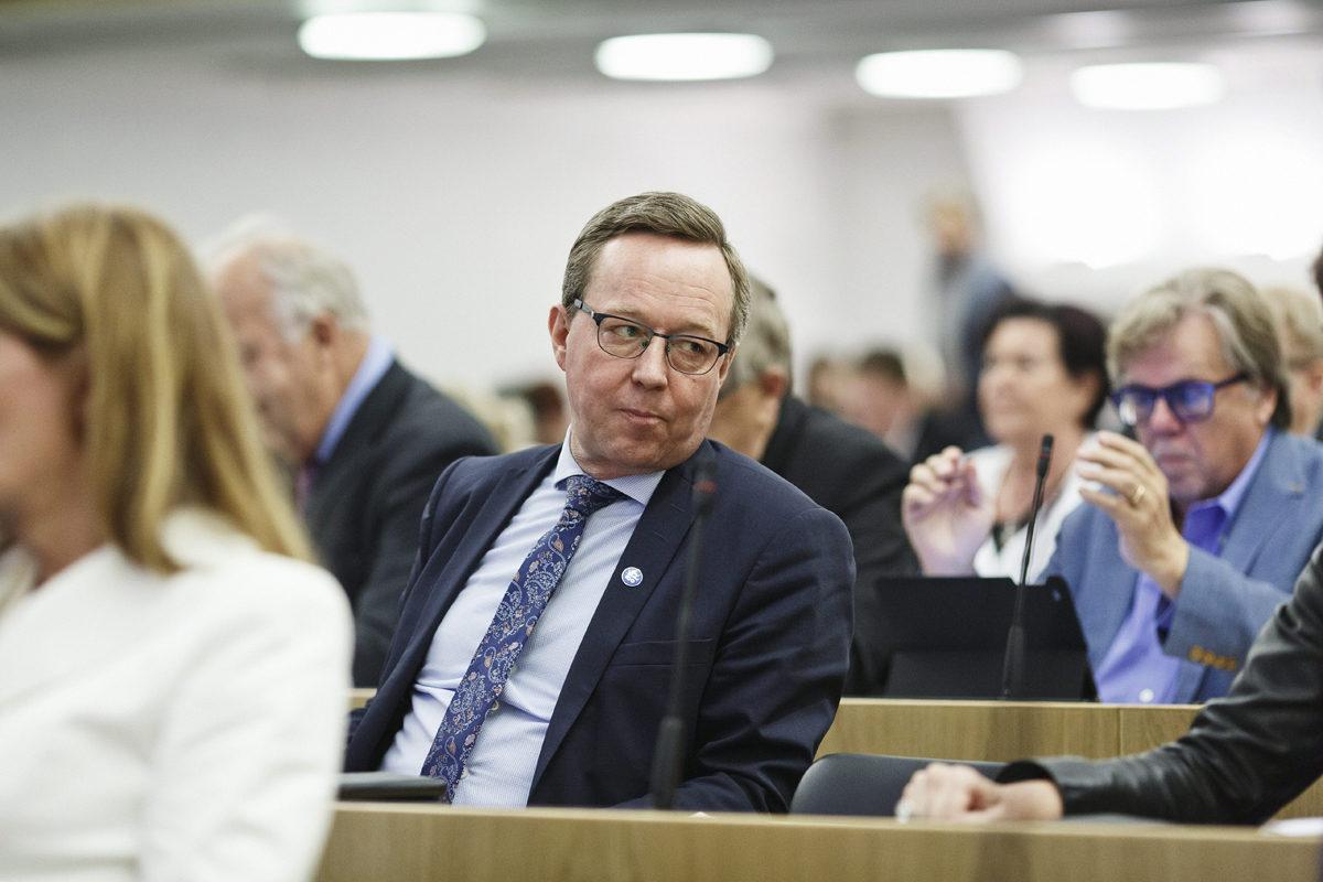 Elinkeinoministeri Mika Lintilä eduskunnan täysistunnossa 28. kesäkuuta 2017.