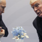 Venäjän presidentti Vladimir Putin ja Yhdysvaltain presidentti Donald Trump tapasivat G20-kokouksessa Hampurissa Saksassa 7. heinäkuuta 2017.