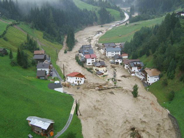 Elokuinen tulva Itävallan Tirolissa 2005.
