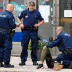 Poliisi otti puukotuksesta epäillyn kiinni Turussa perjantaina 18. elokuuta 2017. Kuvakaappaus Instragram-videolta.