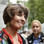 Liikenne- ja viestintäministeri Anne Berner ministeriön edustalla keskiviikkona 23. elokuuta 2017.