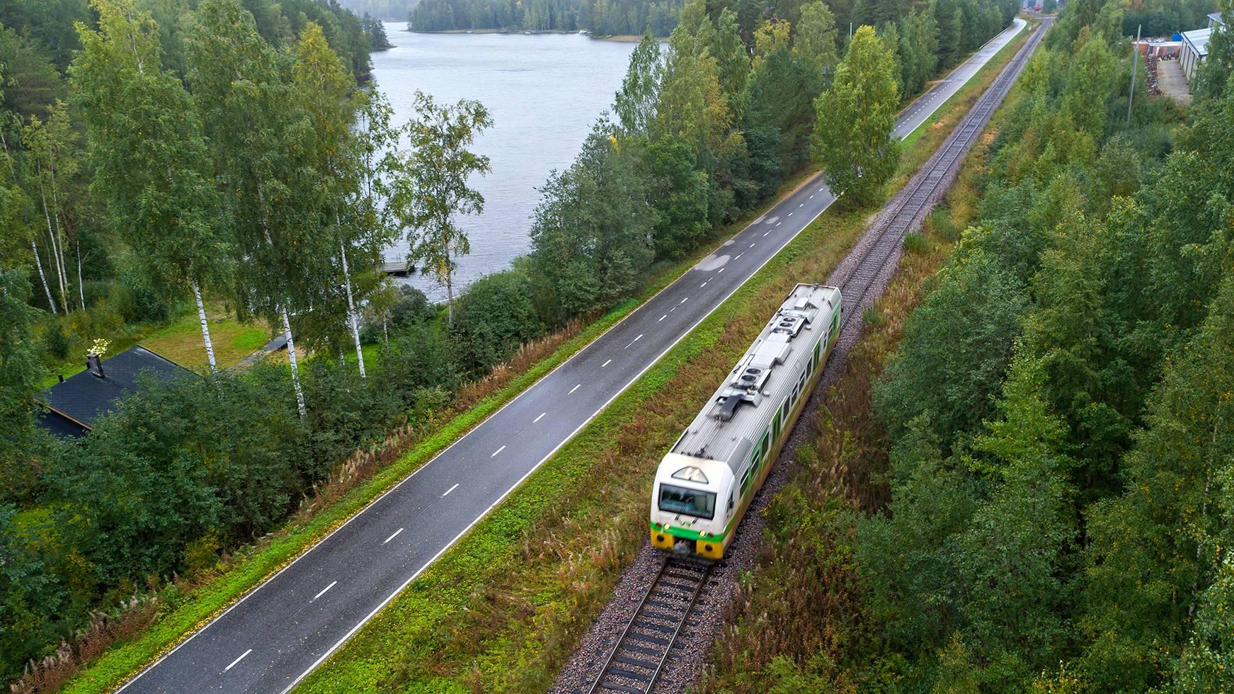 Italialaismies matkusti junalla Punkaharjulta Parikkalaan 25.6.