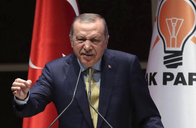 Turkin presidentti Recep Tayyip Erdoğanin puhui puolueensa aluejohtajille Ankarassa 6. syyskuuta 2017.