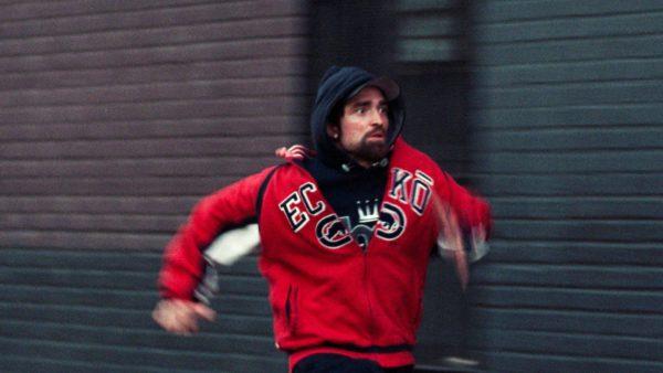 Robert Pattinson vauhdissa.