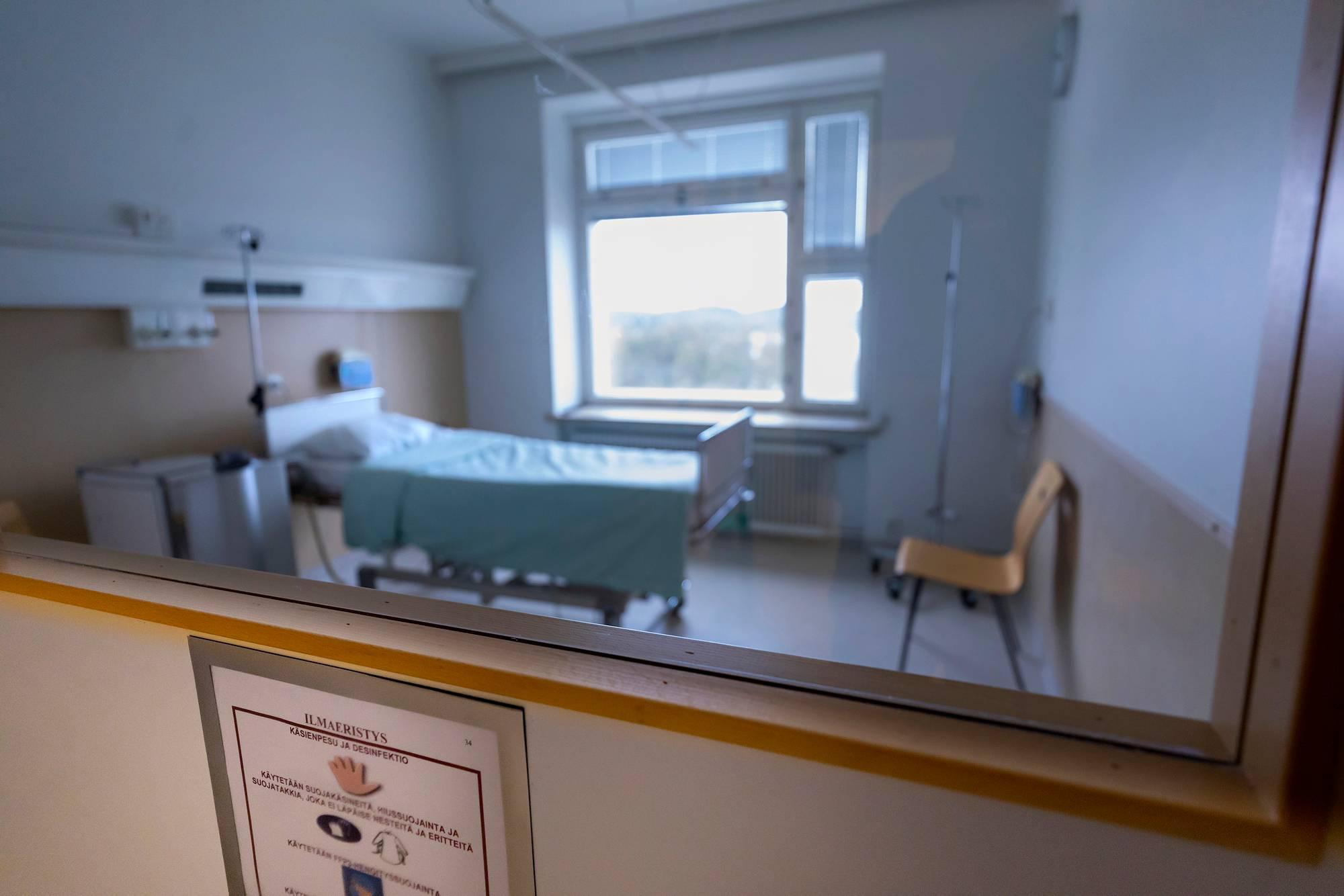 Savonlinnan keskussairaalan ilmaeristyshuone, jossa tuhkarokkopotilaita hoidettiin.