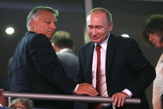 Unkarin pääministeri Viktor Orbán ja Venäjän presidentti Vladimir Putin judon MM-kisoissa Budapestissä 28. elokuuta.