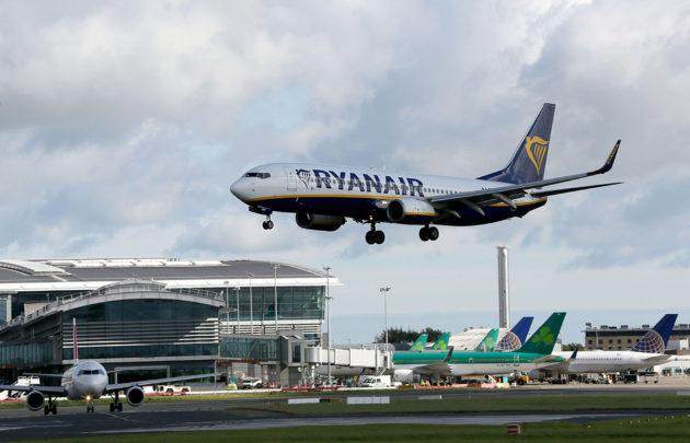 Ryanairin lentokone laskeutui Dublinin lentokentälle Irlannissa 21. syyskuuta 2017.