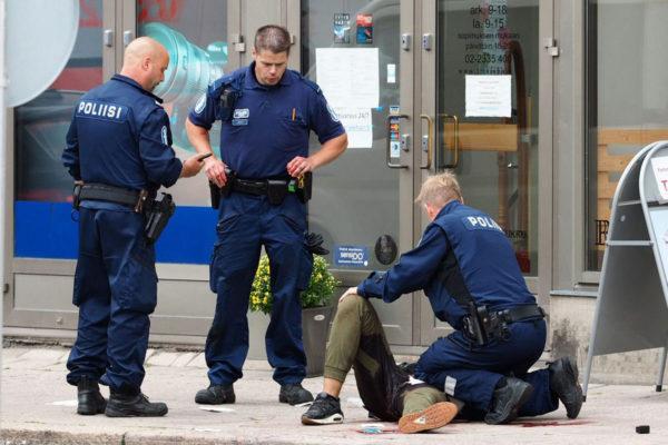Poliisi otti puukottajan kiinni Brahenkadulla Turussa 18. elokuuta 2017.