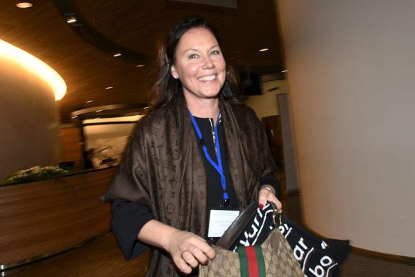Kansanedustaja Anne-Mari Virolainen (kok).