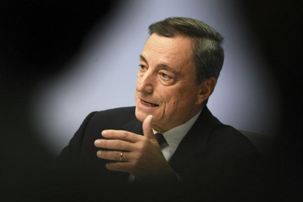 Euroopan keskuspankin johtaja Mario Draghi ilmoitti torstaina 26. lokakuuta 2017, että osto-ohjelmaa jatketaan eikä ohjauskorko nouse.