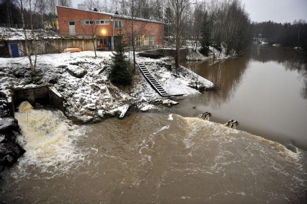 Silvolan vedenottamo Vantaanjoen rannalla joulukuussa 2008.