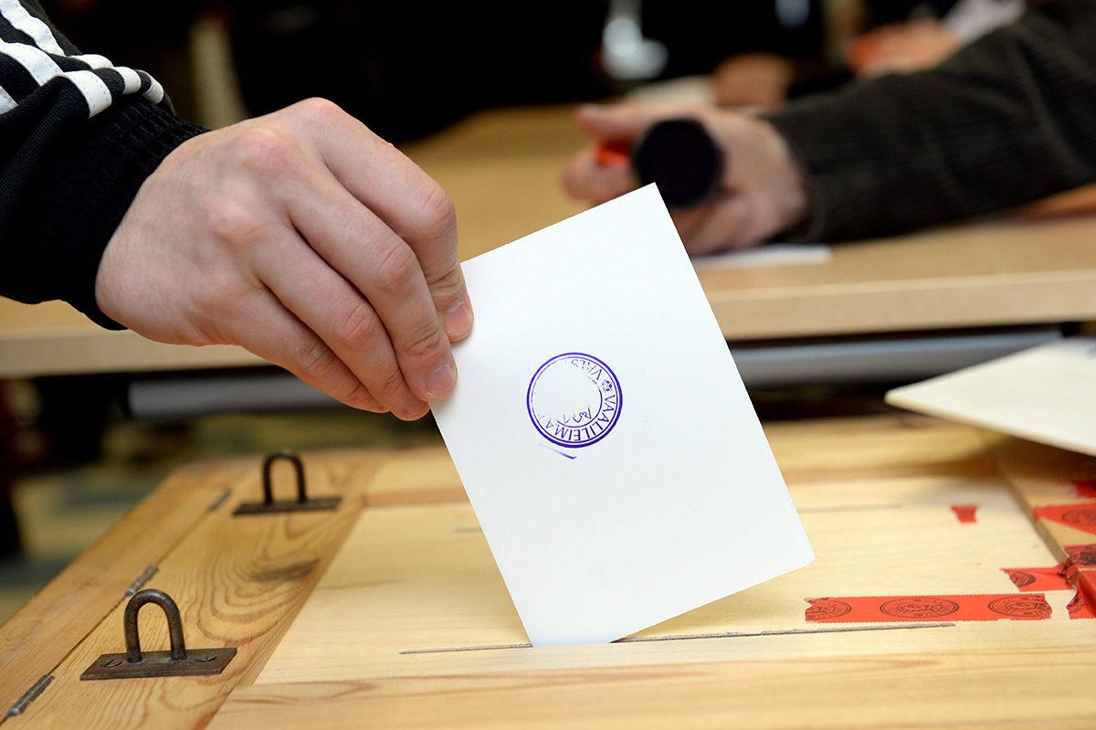 Äänestystä vuoden 2015 eduskuntavaaleissa.