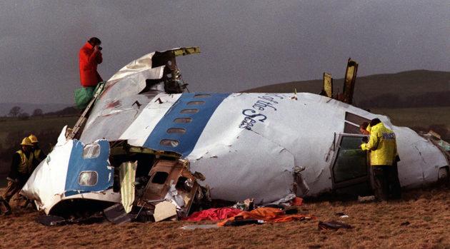 Libyalaisten terroristien kohteeksi joutuneen Pan Amin matkustajalentokoneen hylky Skotlannin Lockerbiessä 22. joulukuuta 1988.