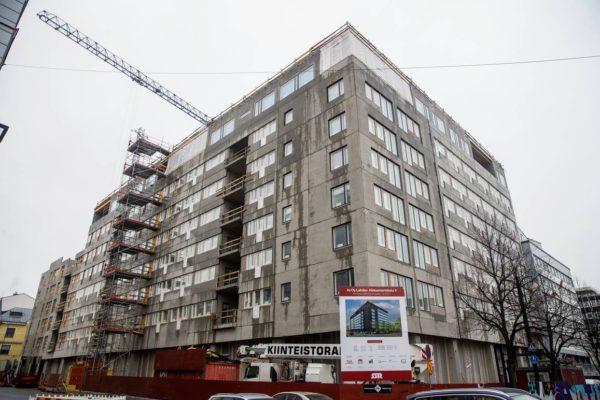 Nuorisosäätiö ja SSR tekivät lokakuussa 2016 taloa Lahden paraatipaikalle.
