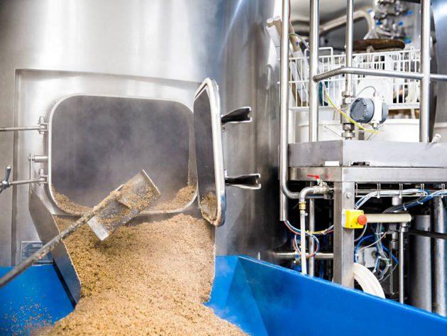Lapin Kullan aikana panimossa oli mahdollista valmistaa olutta vuosittain yli 200 miljoonaa litraa. Tornion Panimo ilmoittaa voivansa päästä tuotannossa lähelle 2,5 miljoonaa litraa.