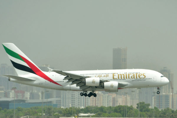 Emirates-yhtiön Airbus A380 Dubaissa syyskuussa 2017.
