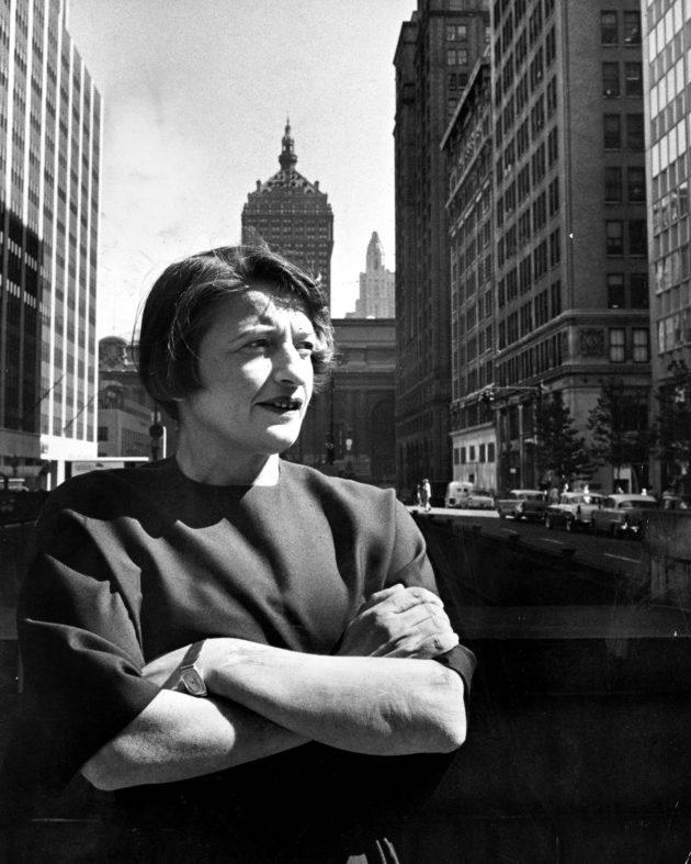 Ayn Rand New Yorkissa elokuussa 1957.