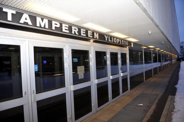 Tampereen yliopiston päärakennus.