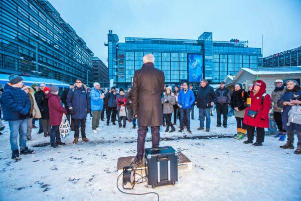 Pekka Haavisto puhui Helsingin Narinkkatorilla 20. tammikuuta.