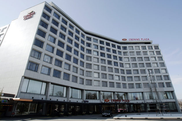 Hotelli Crowne Plaza Helsingissä.