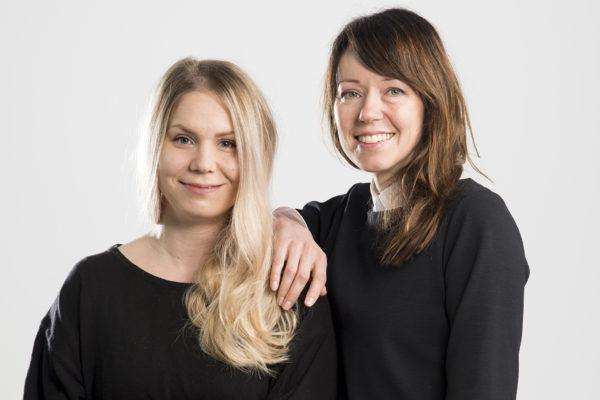 Suomen Kuvalehden toimittajat Aurora Rämö ja Elina Järvinen.