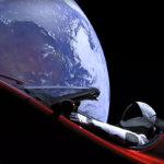 Falcon Heavyn koelento lähetti avaruuteen urheiluauton, jonka kyydissä on astronautiksi puettu nukke.