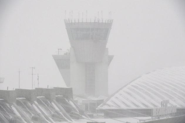 Lennonjohtotorni Helsinki-Vantaan lentokentällä 24. tammikuuta 2018.