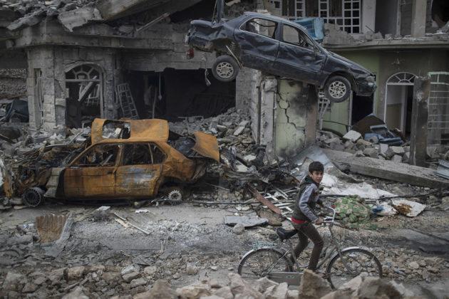 Irakin Mosul maaliskuussa 2017, kun Irakin turvallisuusjoukot olivat vallanneet kaupungin takaisin Isisiltä.