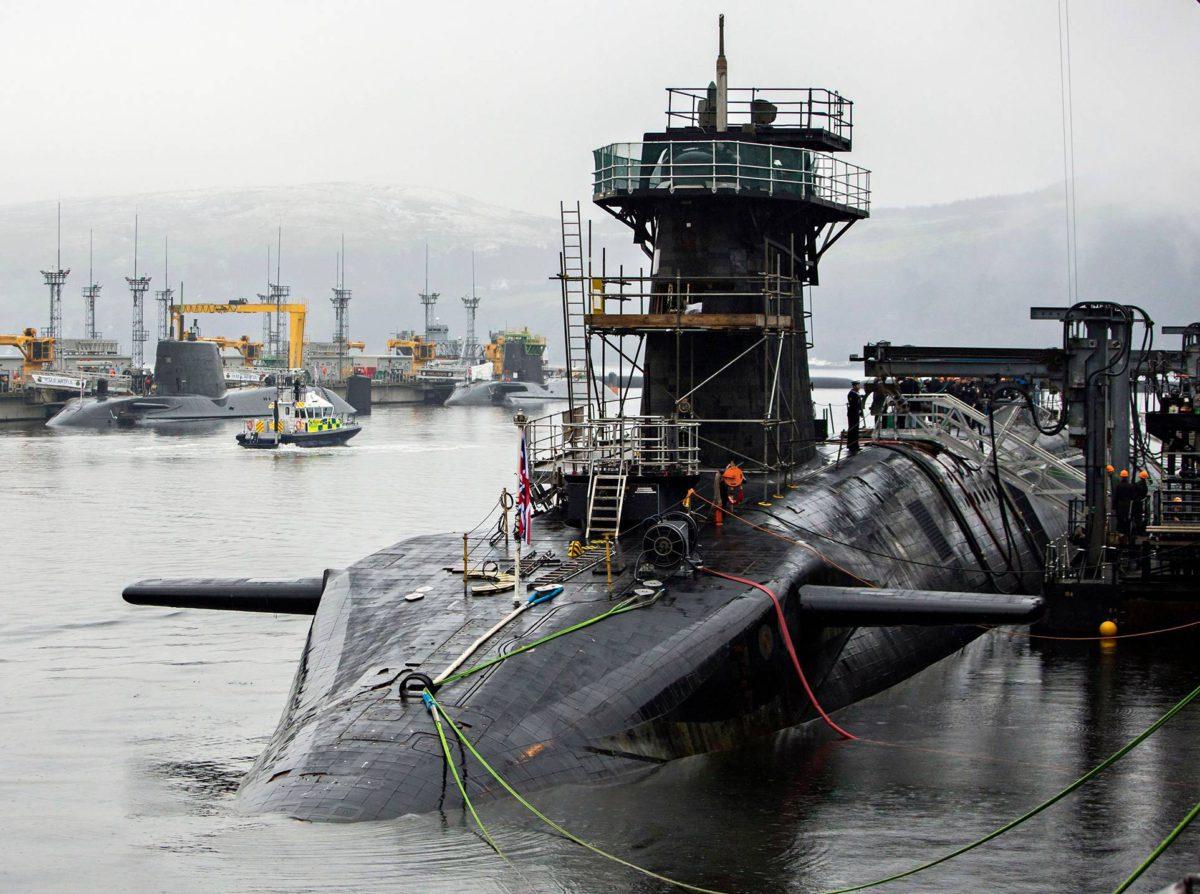 """Britannialaisen HMS Vigilant -ydinsukellusveneen miehistöstä erotettiin yhdeksän jäsentä loppuvuonna 2017, kun he kärähtivät kokaiinista. <span class=""""typography__copyright"""">© Press Association / MVPhotos</span>"""