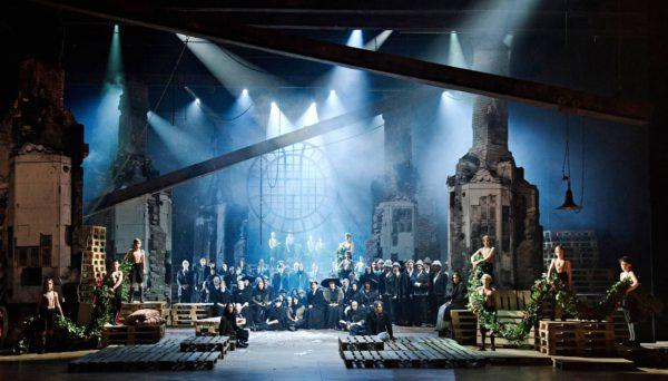 Oopperauutuus tuo Tampereen synkintä historiaa näyttämölle.