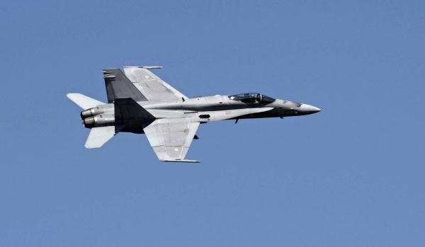 Ilmavoimat hankki F/A-18 Hornet -hävittäjät Yhdysvalloista.