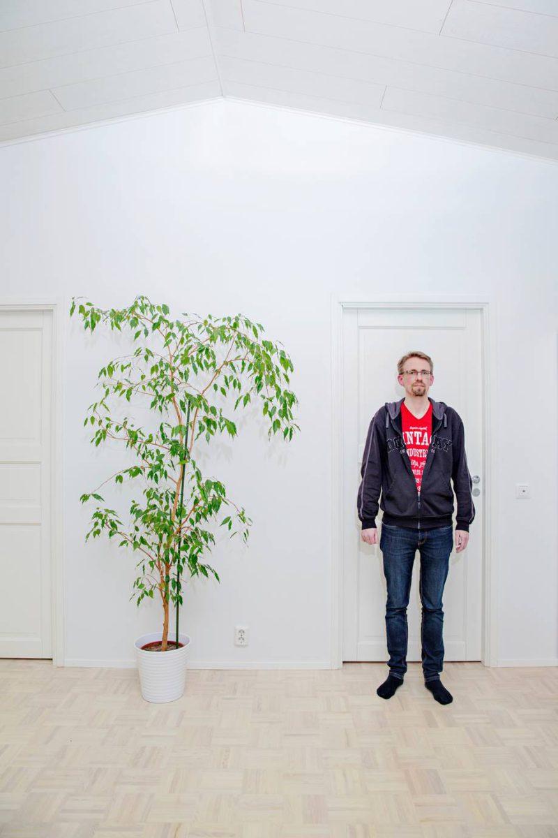 Tietotekniikan ja matematiikan opettaja Isto Havu asuu paritalossa Espoon Tillinmäessä.