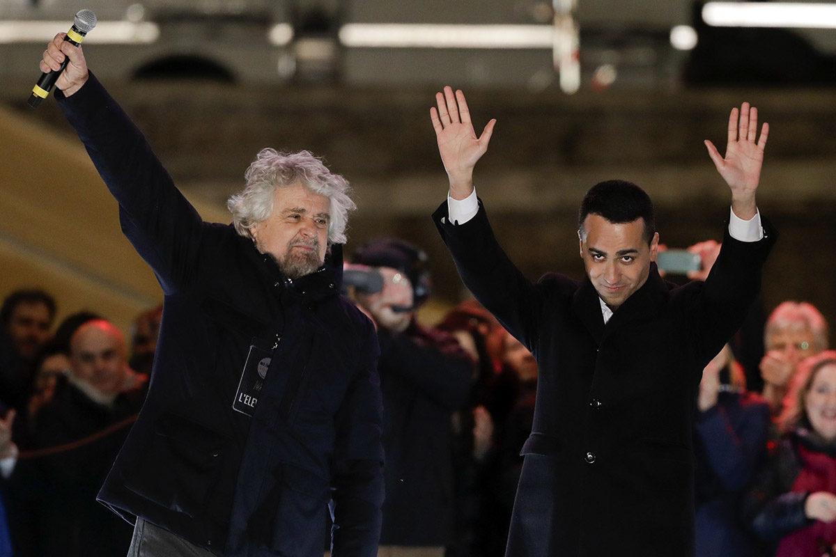 Viiden tähden liikkeen perustaja Beppe Grillo ja johtaja Luigi Di Maio kampanjoivat Roomassa vaalien alla 2. maaliskuuta 2018.
