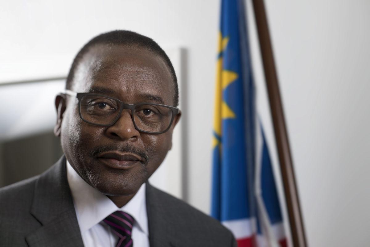 Namibian Suomen-suurlähettiläs Bonny Haufiku.