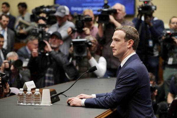 Facebookin toimitusjohtaja Mark Zuckerberg valmistautui kuulemiseen Washingonin Capitol Hillissä 11. huhtikuuta 2018.