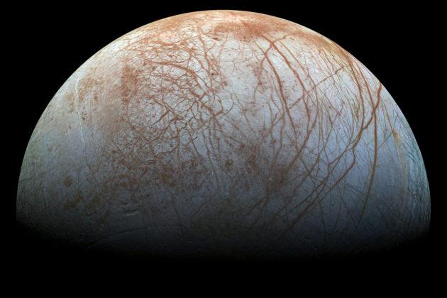 Europa-kuun jäisen pinnan alta uskotaan löytyvän valtava meri, josta voi parhaassa tapauksessa löytyä elämää.
