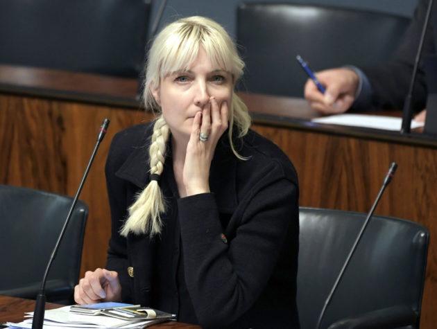 Perussuomalaisten kansanedustaja Laura Huhtasaari eduskunnan täysistunnossa Helsingissä 15. toukokuuta 2018
