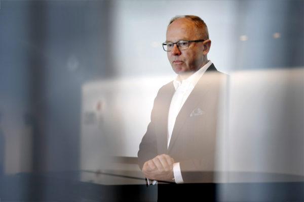 Metson toimitusjohtajana viimeistään marraskuussa aloittava, Finnairia vuodesta 2013 johtanut Pekka Vauramo tiedostustilaisuudessa Helsingissä maanantaina 21. toukokuuta 2018.
