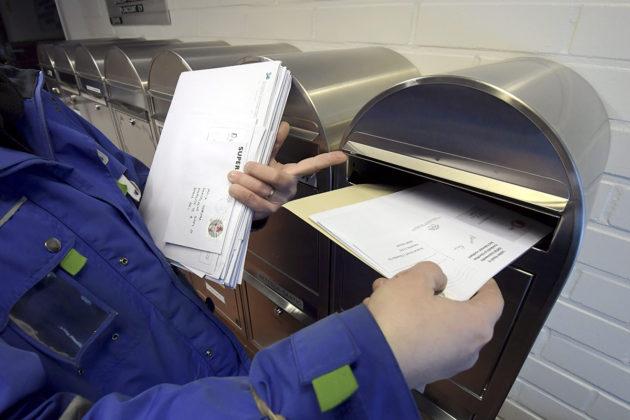 Valtion paperipostin väheneminen tietää lovea Postin liikevaihtoon.